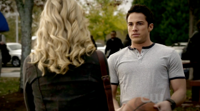 File:Caroline-Tyler 2x10.png