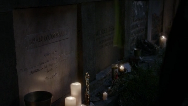 File:The Originals Season 3 Episode 10 A Ghost Along the Mississippi Sean's grave.png