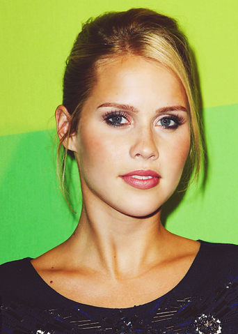 File:ClaireHolt20.png