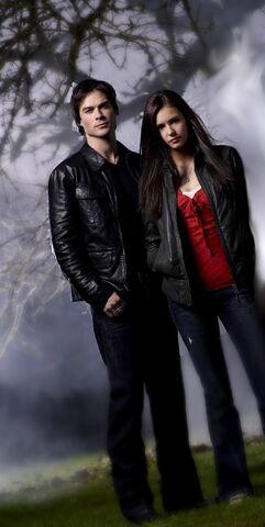 File:Elena and Damon 1.jpg