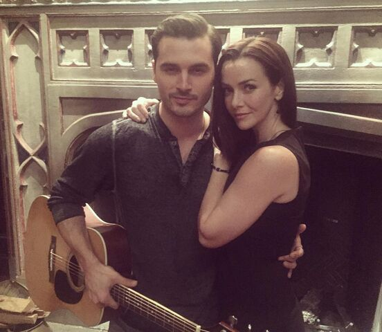 File:2015-10-20 Michael Malarkey Annie Wersching Instagram.jpg