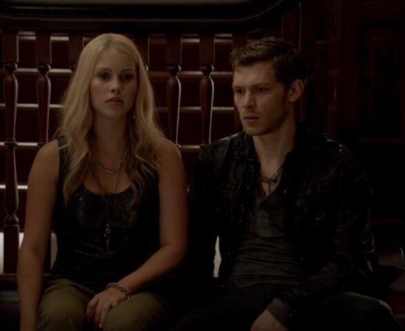 File:Klaus and Rebekah 2 TO 1x02.jpg