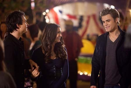 File:Founder-s-Day-Behind-The-Scenes-the-vampire-diaries-12243489-450-303.jpg