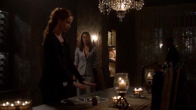 File:The Originals S01E21 mkv1619.jpg