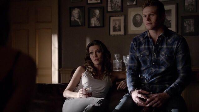 File:The Vampire Diaries S05E14 MattNadia2.jpg