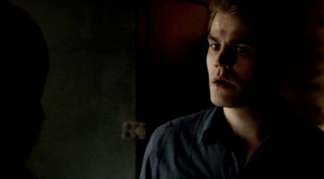 File:Stefan talking with Caroline 4x21.png