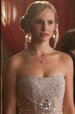 File:4x19 Caroline Pictures of You..jpg