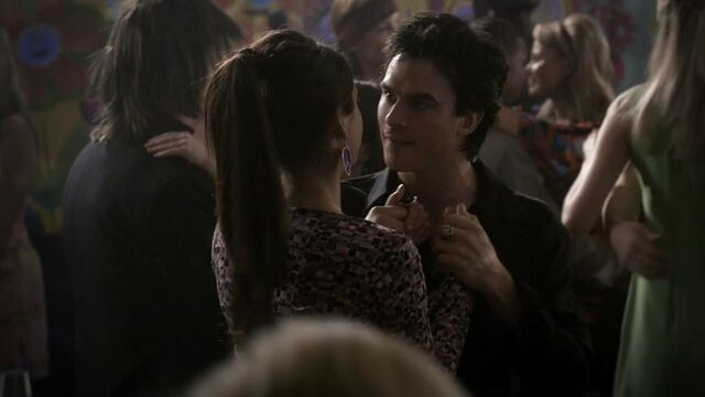 File:218VampireDiaries0901.jpg