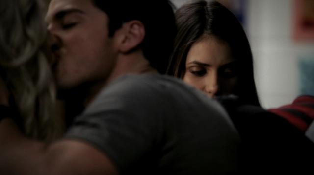 File:Caroline-Tyler-Elena 3x6.png