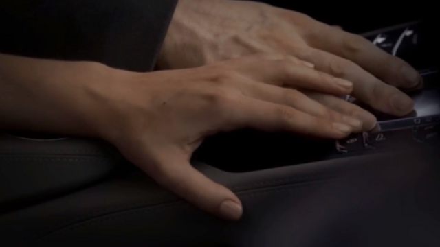 File:Haylijah hands 1x8.png