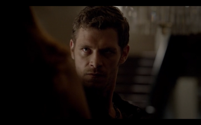 File:1x02-Klaus Chokes Hayley 2.png