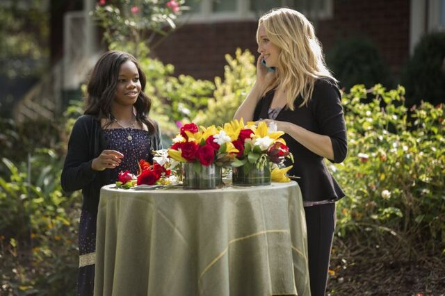 File:Caroline 4x07 My brother's keeper.jpg