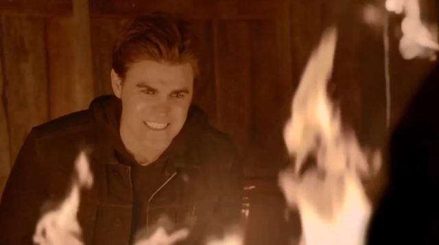 File:Stefan in the fire.png