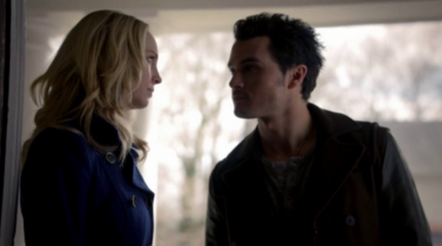 File:Caroline and Enzo in 5x17.png