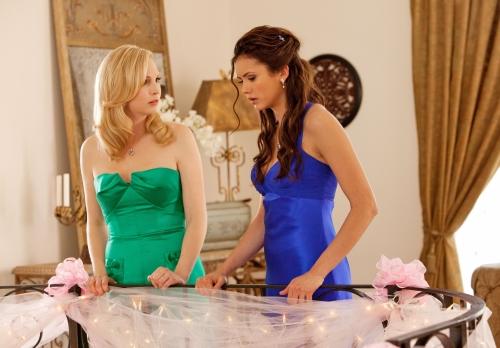 File:Caroline and Elena Looking Down.jpg