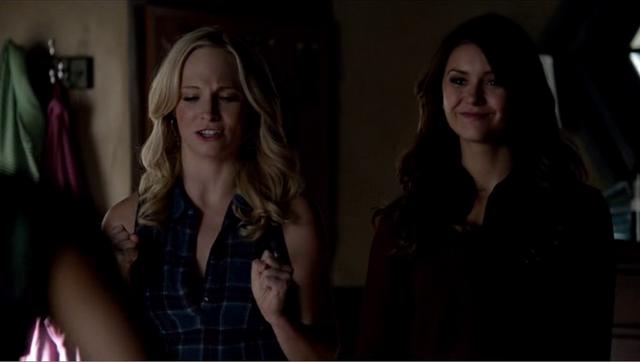 File:Caroline and Elena,.,..png