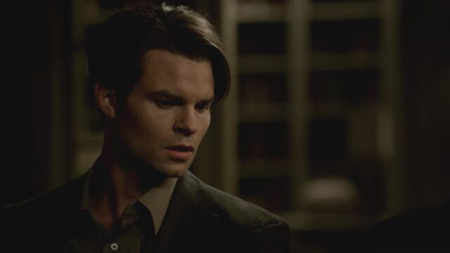 File:The-Vampire-Diaries-3x13-Bringing-Out-the-Dead-HD-Screencaps-elijah-28811506-1280-720.jpg