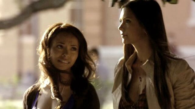 File:Bonnie and Elena.jpg