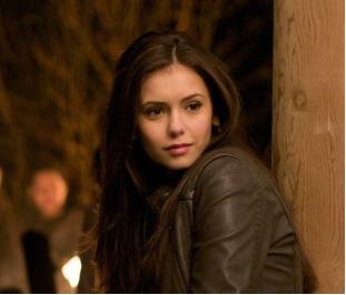 File:Elena gilbert closeup.png