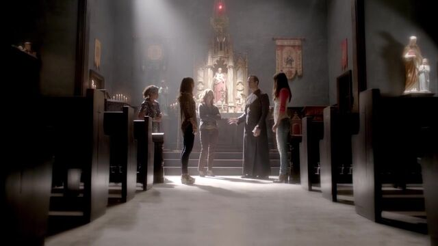 File:The Originals S01E05 720p KISSTHEMGOODBYE 0502.jpg