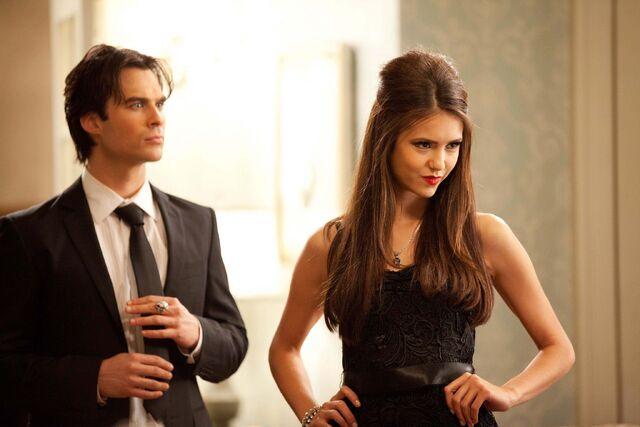 File:Vampire-diaries-season-2-masquerade (33).jpg
