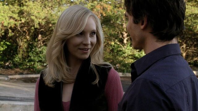 File:1x10-The-Turning-Point-damon-and-caroline-16444789-1280-720.jpg