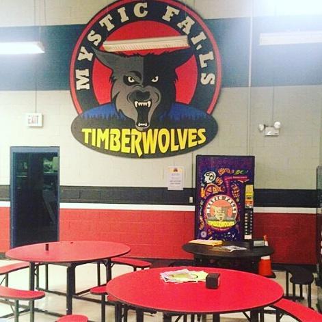 File:Mystic Falls High School Cafeteria.jpg
