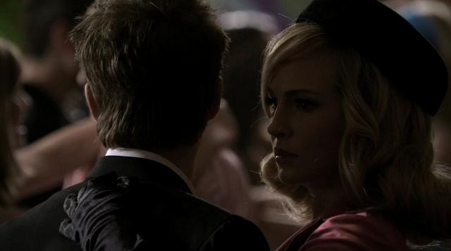 File:Stefan and Caroline 2x18.png