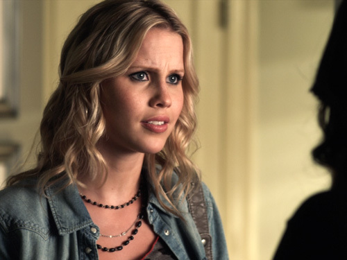 File:Pretty-Little-Liars-claireholt.jpg
