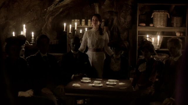 File:TVD6x17-Lily's Den 3.jpg