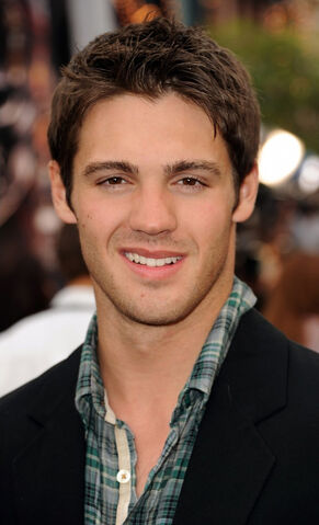 File:May-07-Pirates-of-the-Carribean-On-Stranger-Tides-Premiere-steven-r-mcqueen-21838055-605-996.jpg