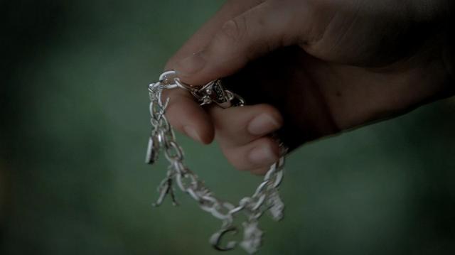 File:Bracelet forwood 3x11.png