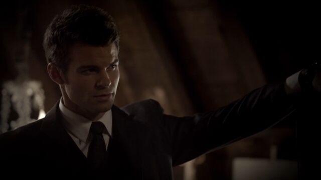 File:Elijah 5 TO 1x05.jpg