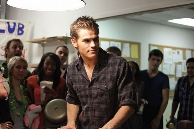 File:Vampire-diaries-season-2-brave-new-world-promo-pics-6.jpg
