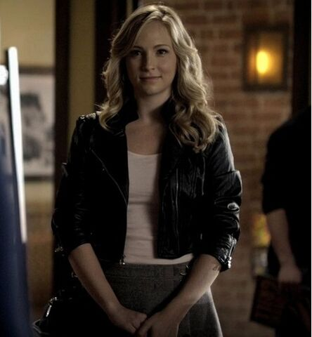 File:2x14 Caroline Crying Wolf..jpg
