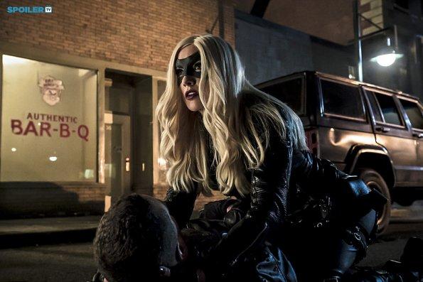 File:Arrow - Episode 3 12 - Uprising - Promotional Photos(h).jpg