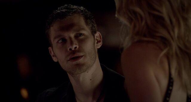 File:Klaus and Caroline in 4x6.jpg