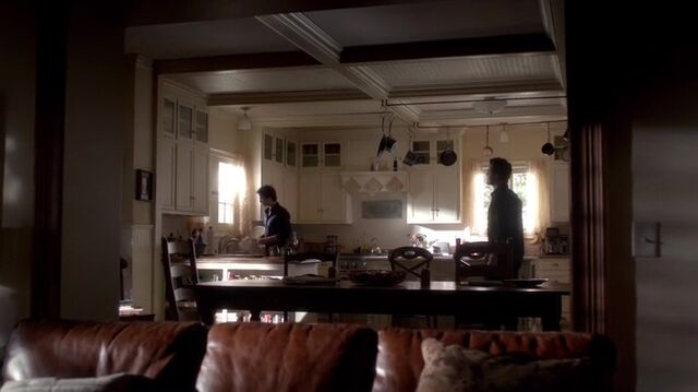 File:TVD4x06-Gilbert House 48.jpg