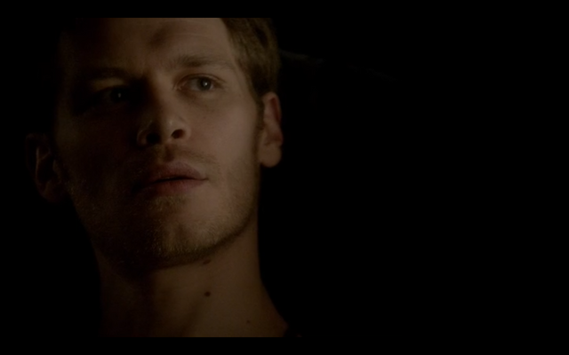 File:4x16-Klaus tells Hayley about her family 3.png