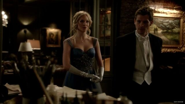 File:Klaus and Caroline in 3x14.jpg
