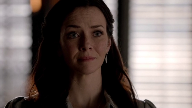 File:6X18-92-Lily.png