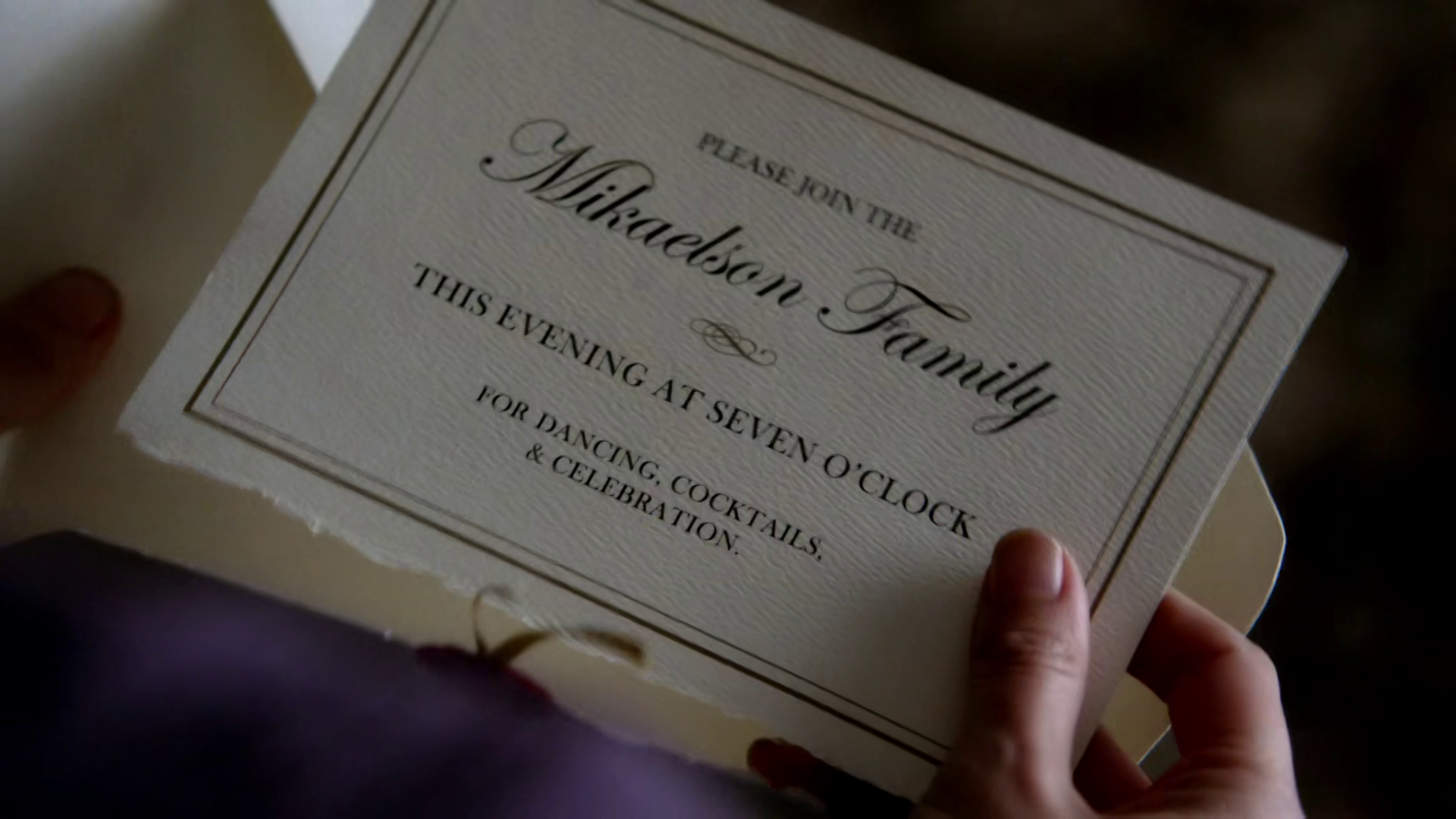 File:Elena opens the Mikaelsons' Ball invitation.png