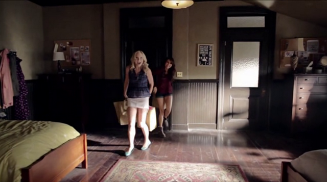 File:Caroline and Elena 5x8.png