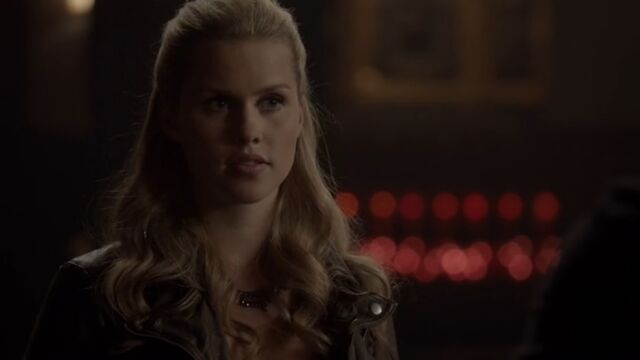 File:Rebekah 4 TO 1x04.jpg