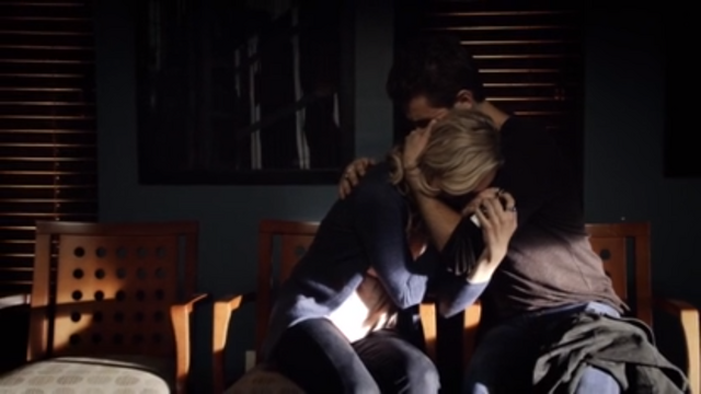 File:Caroline-crying-on-stefan.png