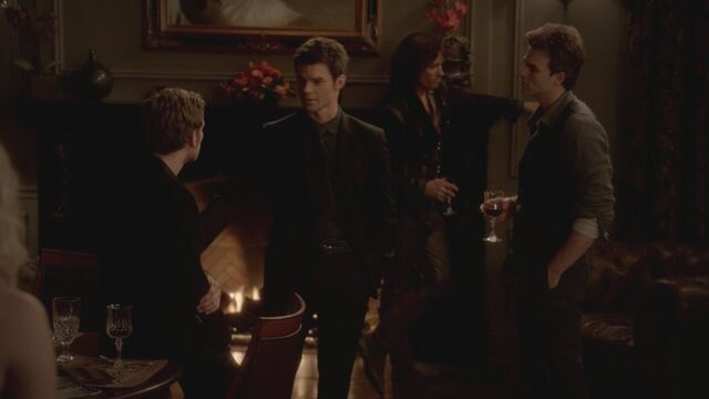 File:The-Vampire-Diaries-3x13-Bringing-Out-the-Dead-HD-Screencaps-elijah-28812075-1280-720.jpg