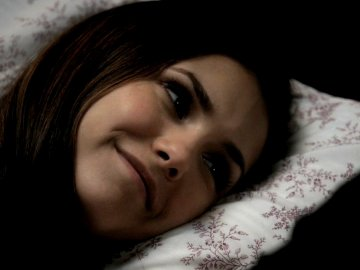 File:Elena-damon-bed1.jpg