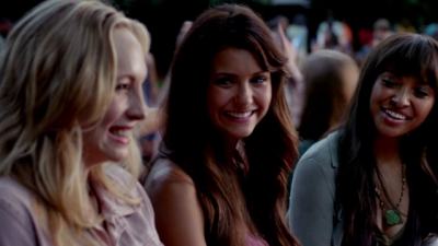 File:Caroline Elena and Bonnie 5x1.png