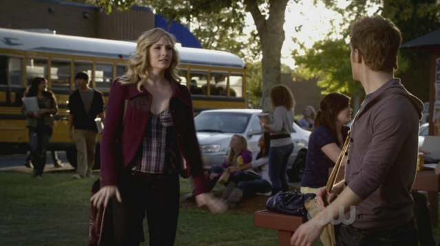 File:Caroline-Stefan 2x9.png