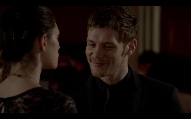 File:1x18-Klaus smiles 2.png